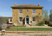 Large farmhouse to rent in Dorset