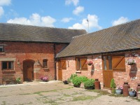 farm accommodation near Ashbourne, Peak District