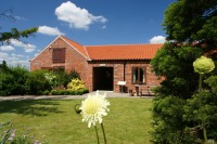 9 holiday cottages with easy access, Lincolnshire.