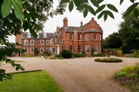 Grade II listed country mansion in the Lincolnshire Wolds