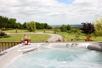 Large holiday houses in Herefordshire