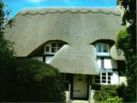 Cotswolds thatched cottage to rent